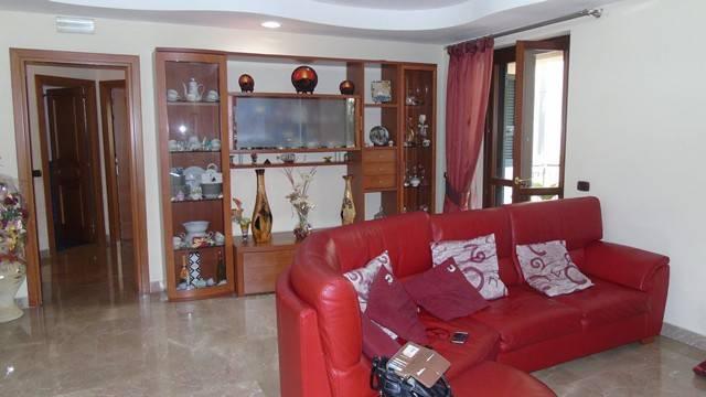 Appartamento in ottime condizioni in vendita Rif. 6290142