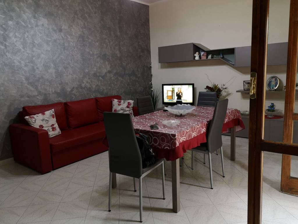 Appartamento in buone condizioni in vendita Rif. 6294615