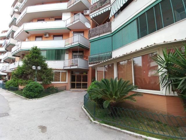 Appartamento in buone condizioni in vendita Rif. 6291691