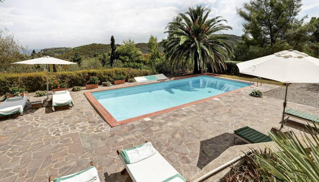 Villa in ottime condizioni arredato in affitto Rif. 6289906
