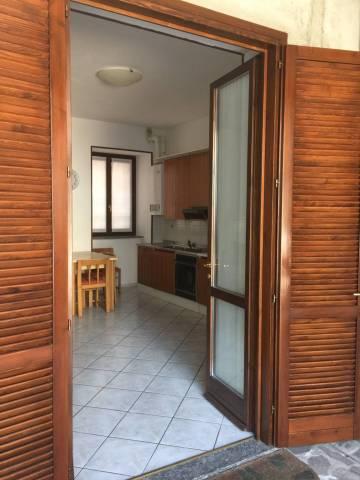 Appartamento in buone condizioni arredato in affitto Rif. 5793911