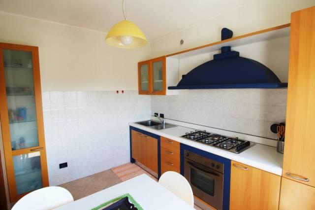 Appartamento in buone condizioni parzialmente arredato in vendita Rif. 6313028