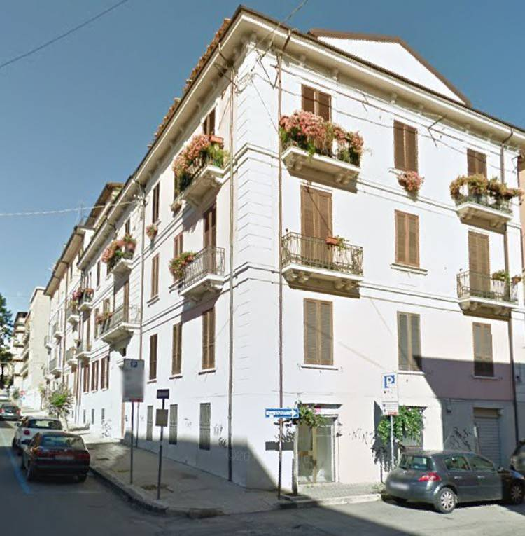 Appartamento in ottime condizioni in vendita Rif. 9151161