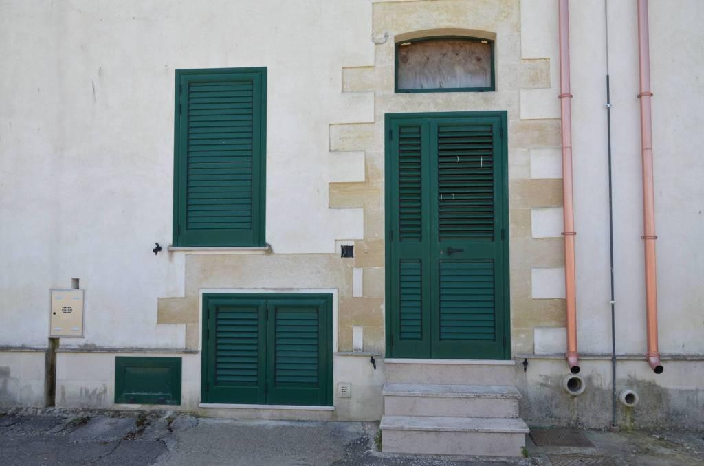 Appartamento da ristrutturare in vendita Rif. 7967317