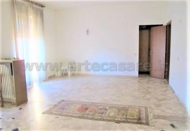 Appartamento in vendita a Legnano, 3 locali, prezzo € 95.000 | CambioCasa.it