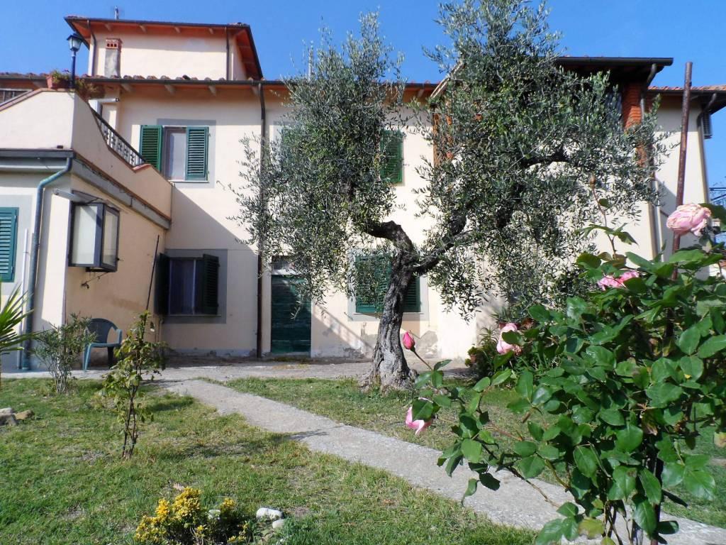 Villa in buone condizioni in vendita Rif. 6312251
