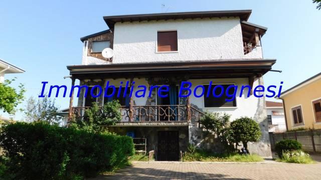 Villa in Vendita a Samarate