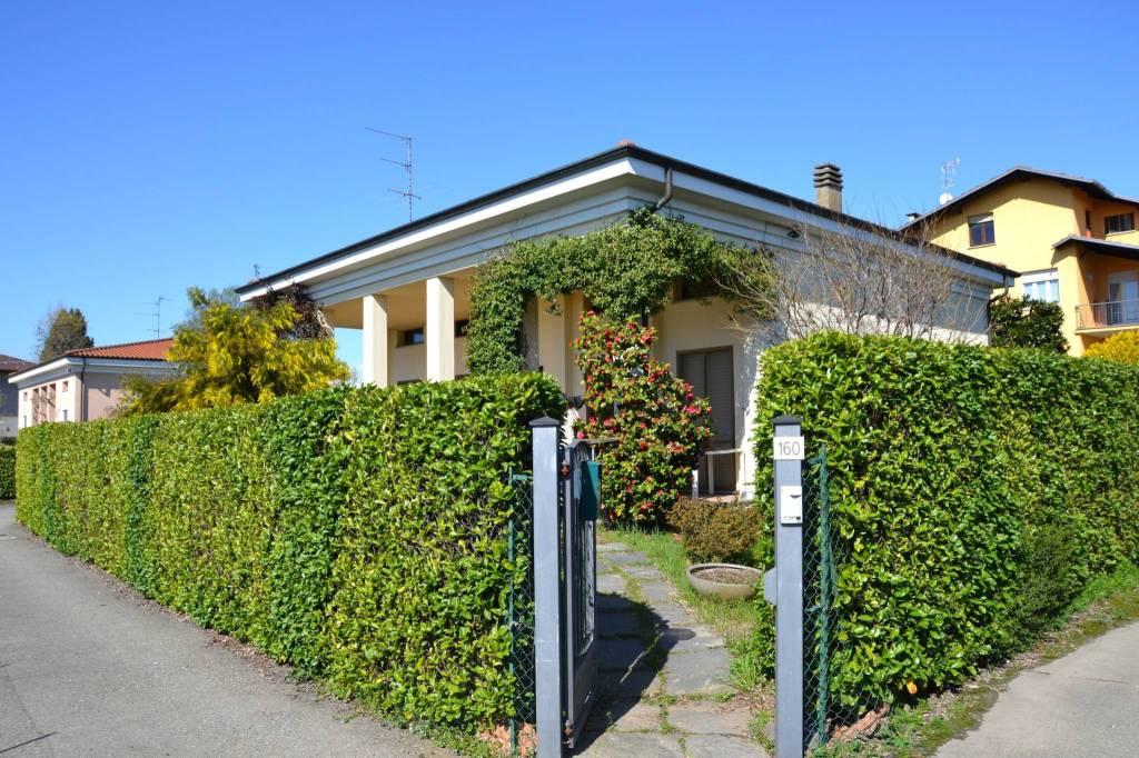 Villa in ottime condizioni in vendita Rif. 6315285