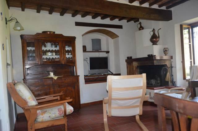 Appartamento in buone condizioni arredato in vendita Rif. 6310226