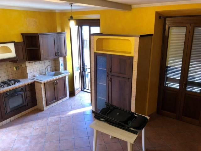 Appartamento in buone condizioni parzialmente arredato in affitto Rif. 6312804