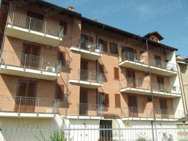 Appartamento in ottime condizioni in affitto Rif. 6329345