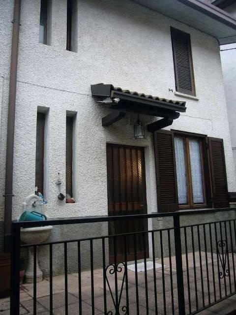 Soluzione Indipendente in vendita a Sant'Omobono Terme, 3 locali, prezzo € 43.000 | PortaleAgenzieImmobiliari.it