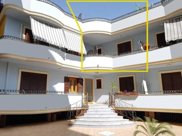 Appartamento in ottime condizioni in vendita Rif. 6331579
