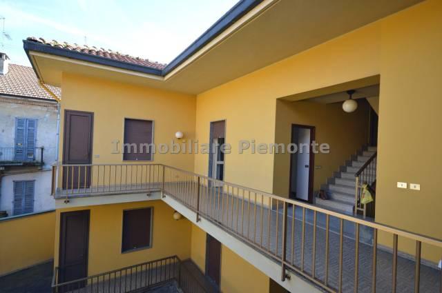 Appartamento in buone condizioni in affitto Rif. 6314205
