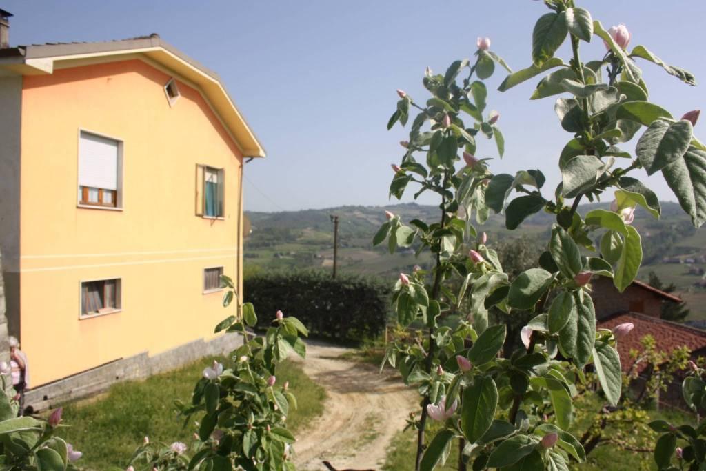 Villa in vendita a Santo Stefano Belbo, 5 locali, prezzo € 260.000   PortaleAgenzieImmobiliari.it
