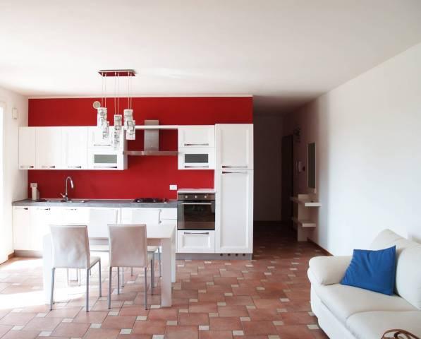 Appartamento in buone condizioni parzialmente arredato in vendita Rif. 6283591