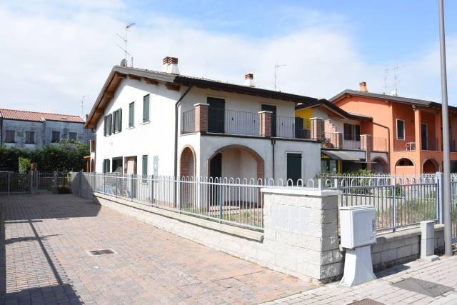 Case e appartamenti in vendita a san giorgio di mantova for Case in vendita san giorgio jonico