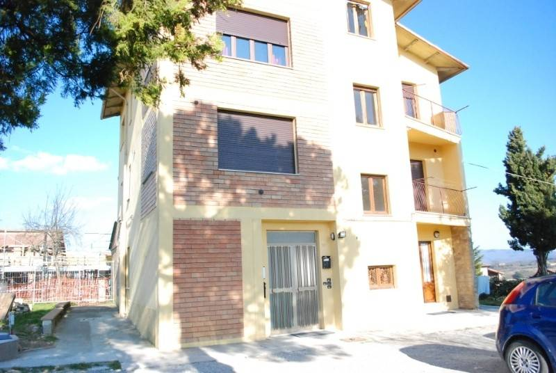 Appartamento in Vendita a Citta' Della Pieve Centro: 4 locali, 70 mq