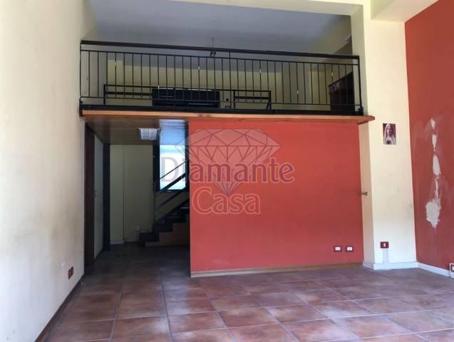Negozio-locale in Affitto a Tremestieri Etneo Centro: 1 locali, 50 mq