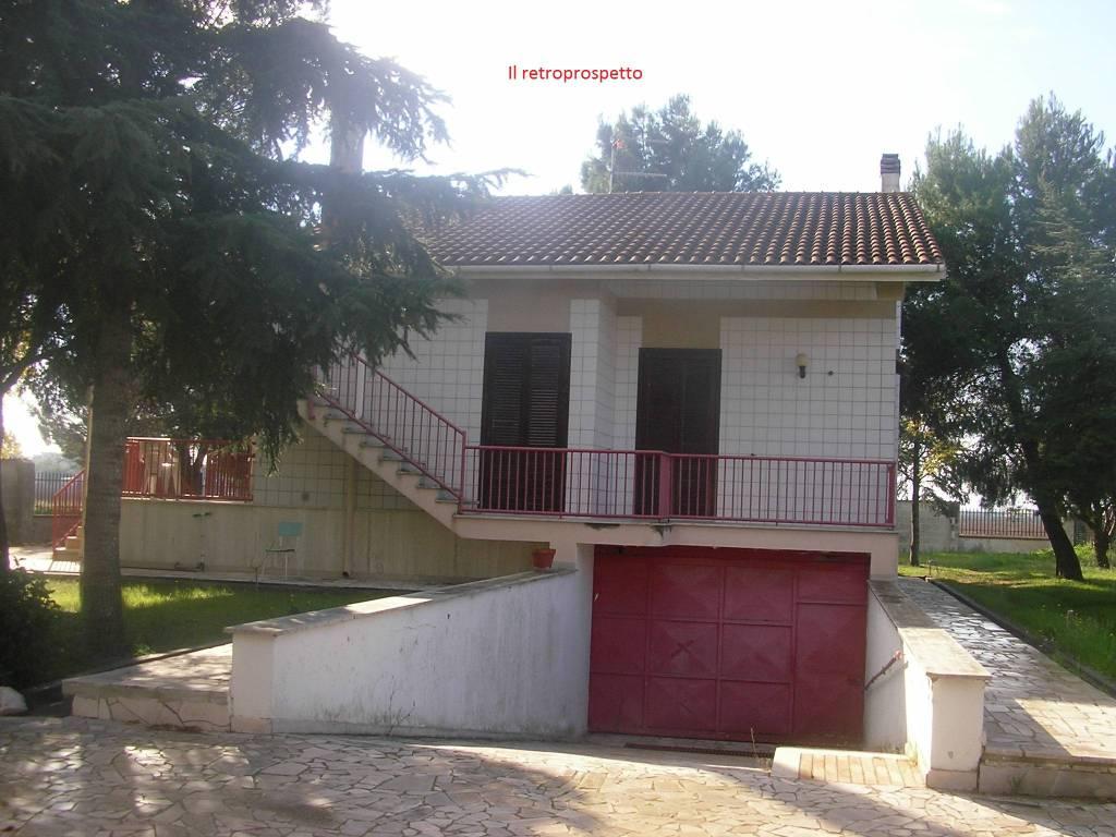Villa in Vendita a Foggia: 5 locali, 300 mq