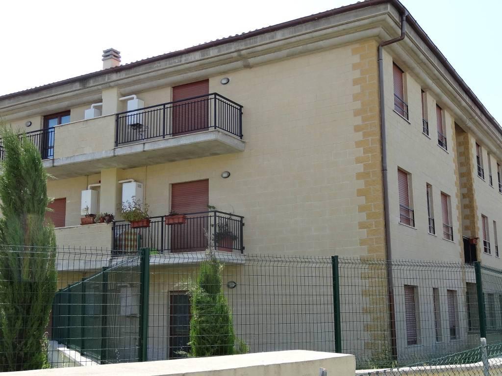 Appartamento in buone condizioni in vendita Rif. 8689629
