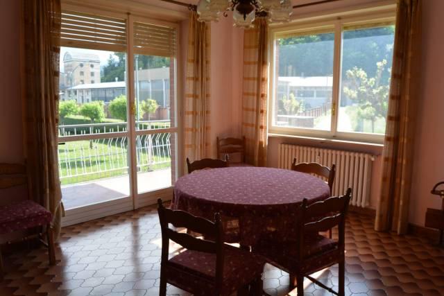 Appartamento in buone condizioni in vendita Rif. 6345396