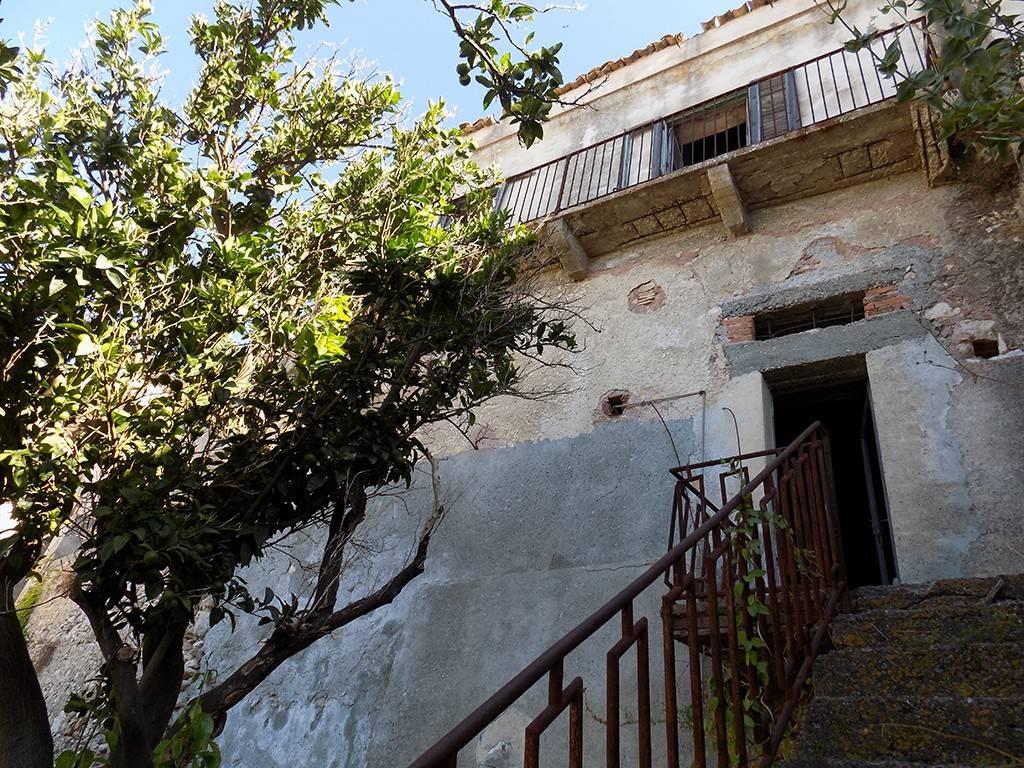 Casa Indipendente da ristrutturare in vendita Rif. 4981012