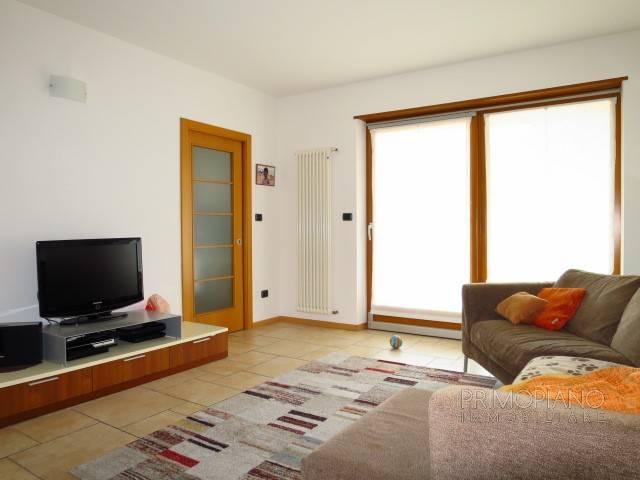 Appartamento in ottime condizioni arredato in vendita Rif. 6376408
