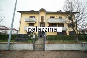 Appartamento in buone condizioni in vendita Rif. 6373194