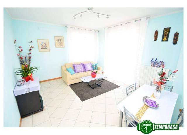 Appartamento in buone condizioni in vendita Rif. 6373197