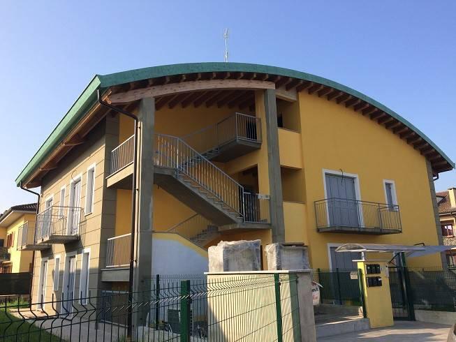 Appartamento in vendita a Castiraga Vidardo, 3 locali, prezzo € 159.000 | PortaleAgenzieImmobiliari.it