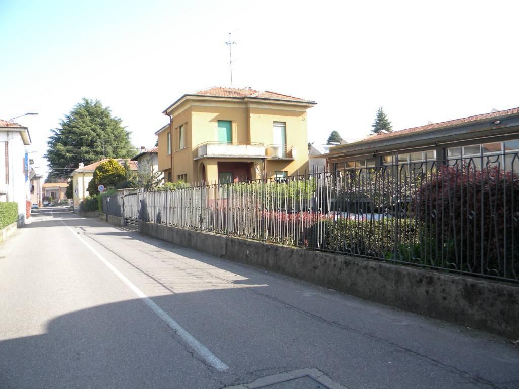 Villa in vendita a Oggiona con Santo Stefano, 4 locali, prezzo € 218.000   CambioCasa.it
