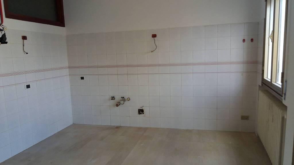 Appartamento in buone condizioni in affitto Rif. 6379157
