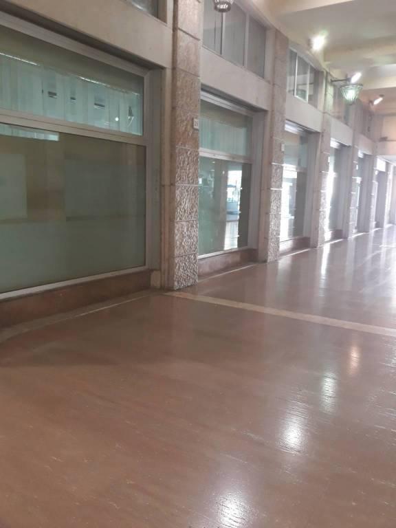 Filiale bancaria 6 locali in affitto a Livorno (LI)