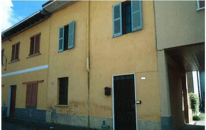 Appartamento in buone condizioni in vendita Rif. 8640448