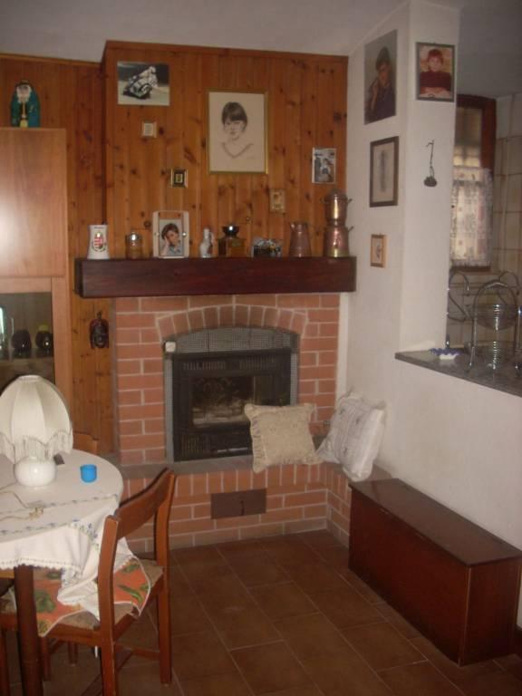 Rustico / Casale in buone condizioni in vendita Rif. 6378214