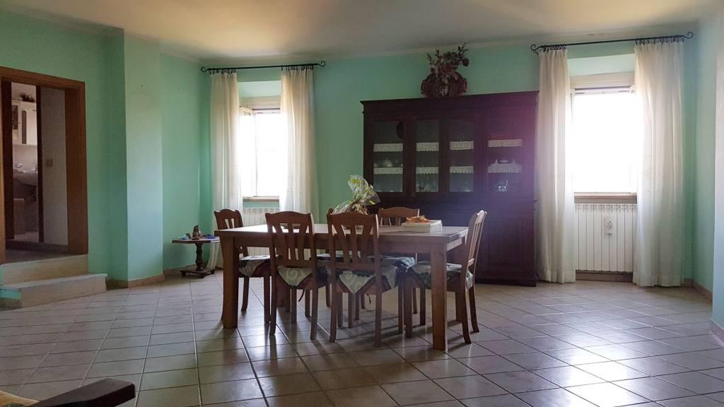 Appartamento in ottime condizioni in vendita Rif. 5974441