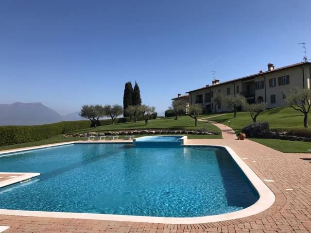 Villa a schiera quadrilocale in vendita a Soiano del Lago (BS)