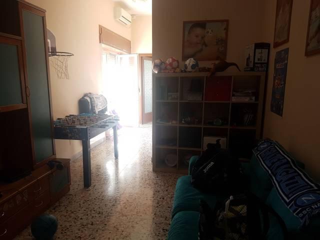 Appartamento in buone condizioni in affitto Rif. 6382447