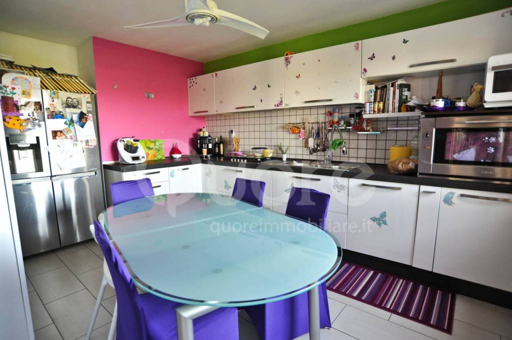 Appartamento in ottime condizioni in vendita Rif. 6460430