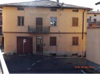 Appartamento da ristrutturare in vendita Rif. 8649002