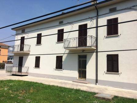 Appartamento in buone condizioni in affitto Rif. 6343391