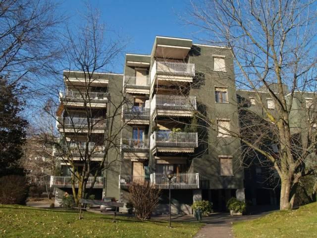 Appartamento in buone condizioni arredato in affitto Rif. 6388193