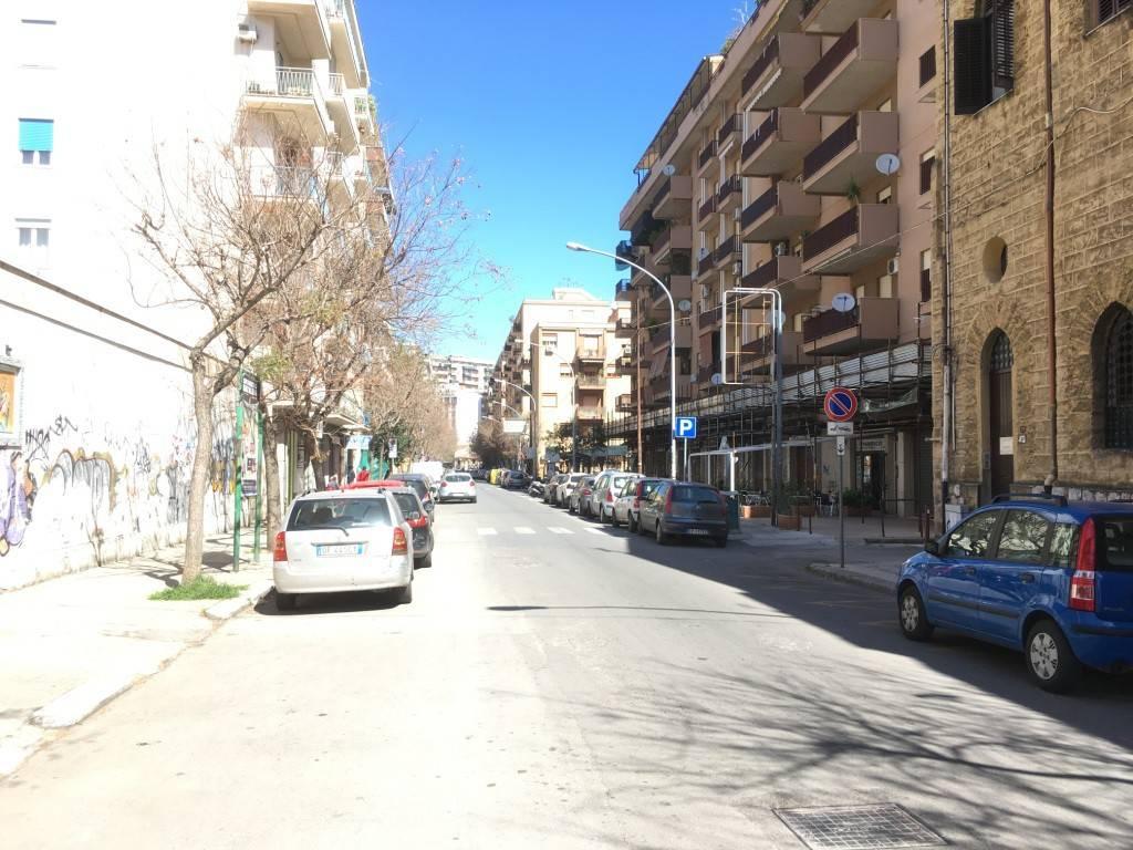 Magazzino in Affitto a Palermo Centro: 1 locali, 370 mq