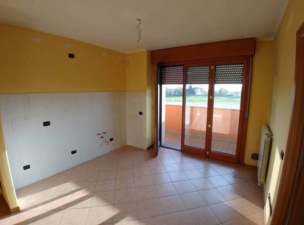 Appartamento in ottime condizioni in affitto Rif. 6391240