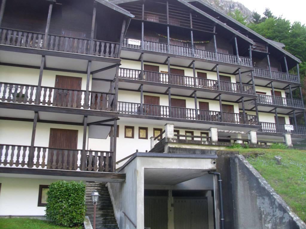 Appartamento in buone condizioni arredato in vendita Rif. 6391546