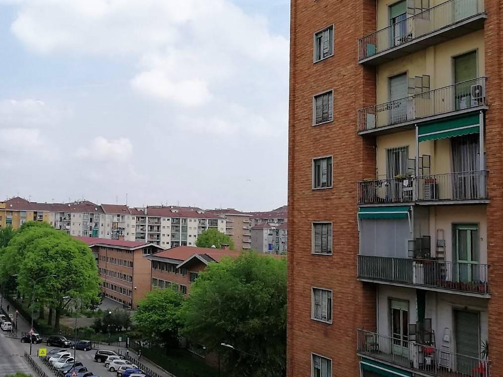 Foto 5 di Trilocale via Casteldelfino 15, Torino (zona Madonna di Campagna, Borgo Vittoria, Barriera di Lanzo)