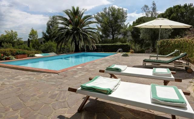 Villa in ottime condizioni arredato in affitto Rif. 6394239