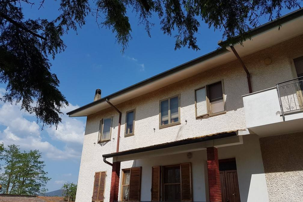 Rustico / Casale in buone condizioni in vendita Rif. 8230890
