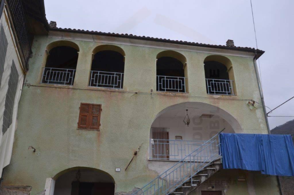 Palazzo / Stabile in vendita a Priola, 4 locali, prezzo € 25.000 | PortaleAgenzieImmobiliari.it